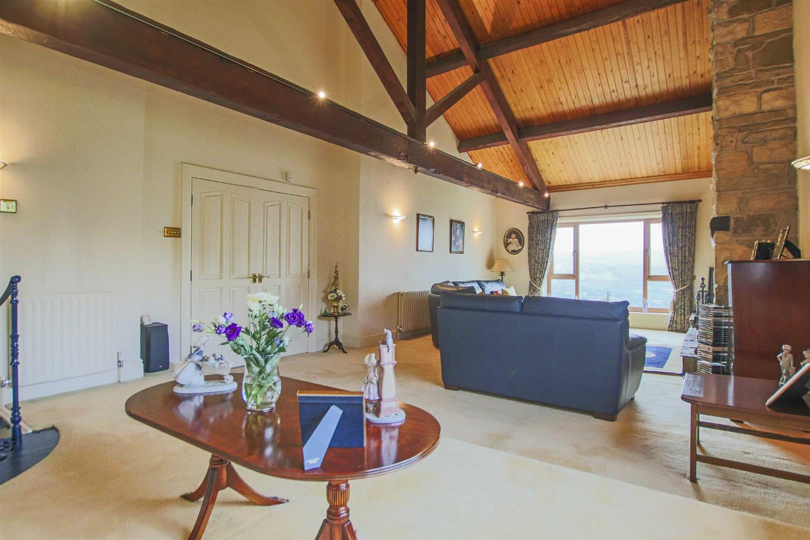 4 Bedroom Barn Conversion For Sale - p033135_41.jpg